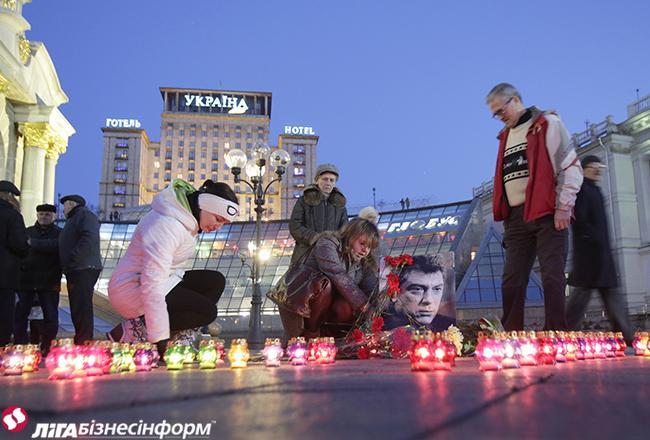 Die Benennungskommission des Bürgermeisters von Kiew entschied, die Parkanlage neben der Botschaft der Russischen Föderation zu Ehre von Boris Nemtsov zu benennen